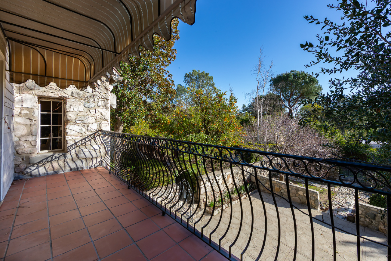 5026 CASTLE ROAD, La Canada Flintridge CA: