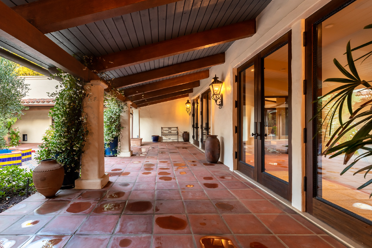 902 FLINTRIDGE AVENUE, La Canada Flintridge CA: